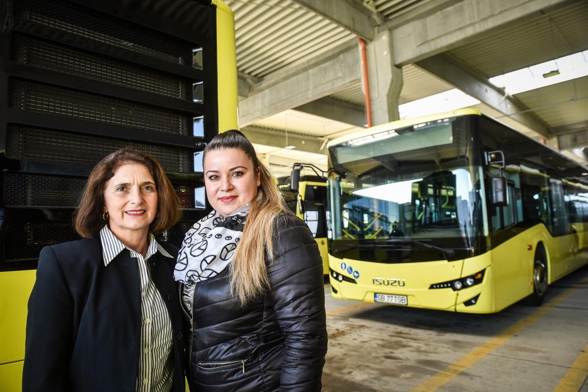 Cele două doamne s-au angajat la Tursib tocmai în perioada în care flota societății este în proces de înnoire