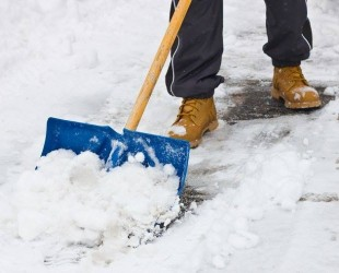 lopata iarna zapada curata