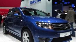 Dacia_Logan_II_(front_quarter)