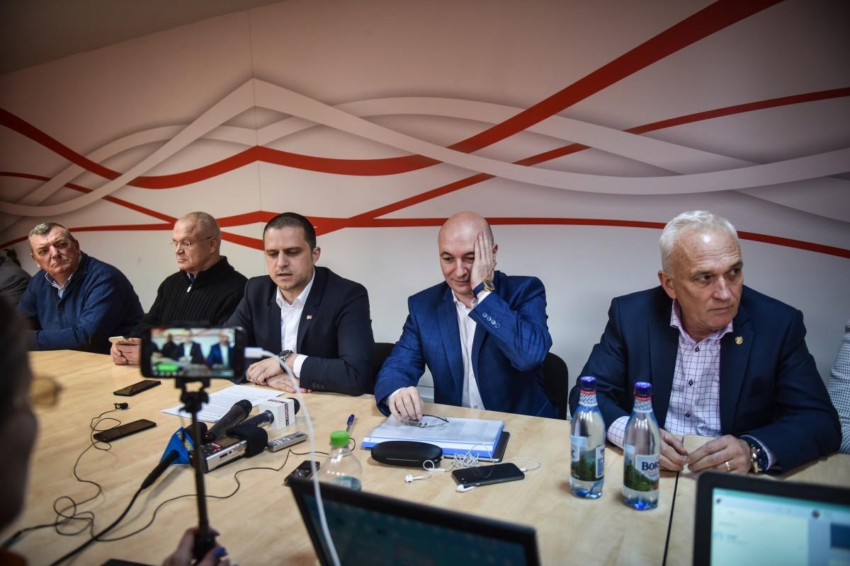 Ioan Terea, Eugen Nicolicea, Bogdan Trif, Codrin Ștefănescu, Viorel Arcaș
