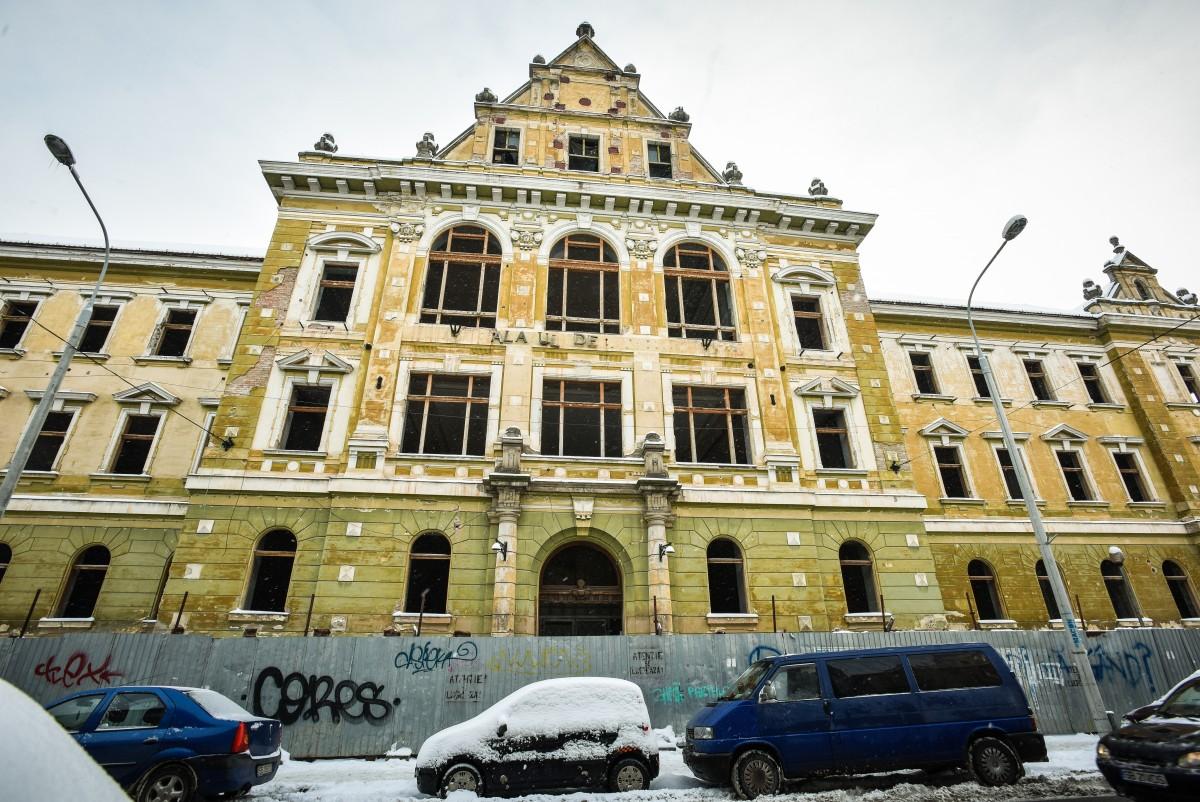 De la începutul acestui an, șantierul Palatului Justiției din Sibiu rămâne fără constructor