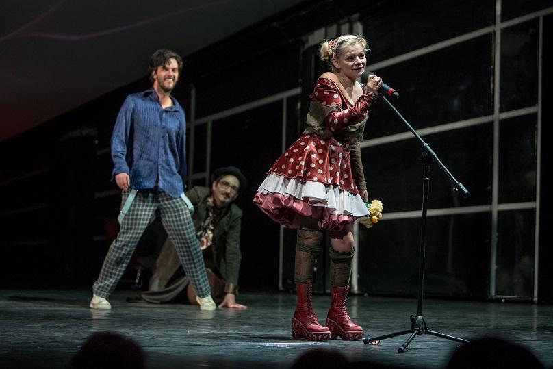 Ofelia Popi-Hamlet-foto-TNRS Grimm (2)