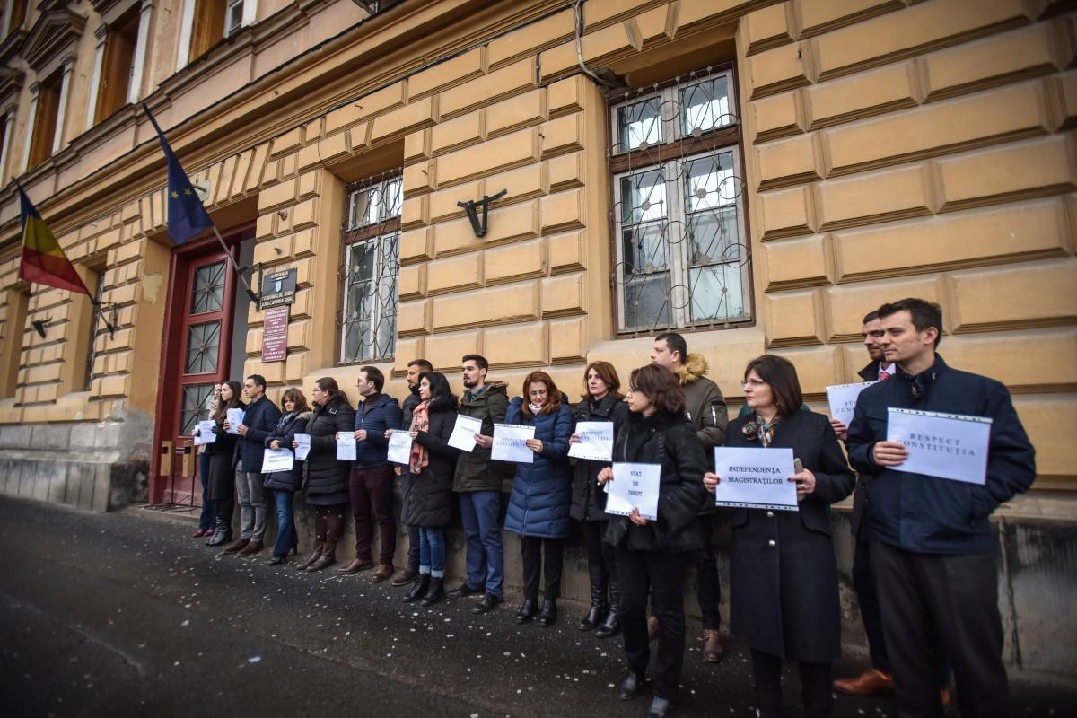 protest judecatori si procurori (2)