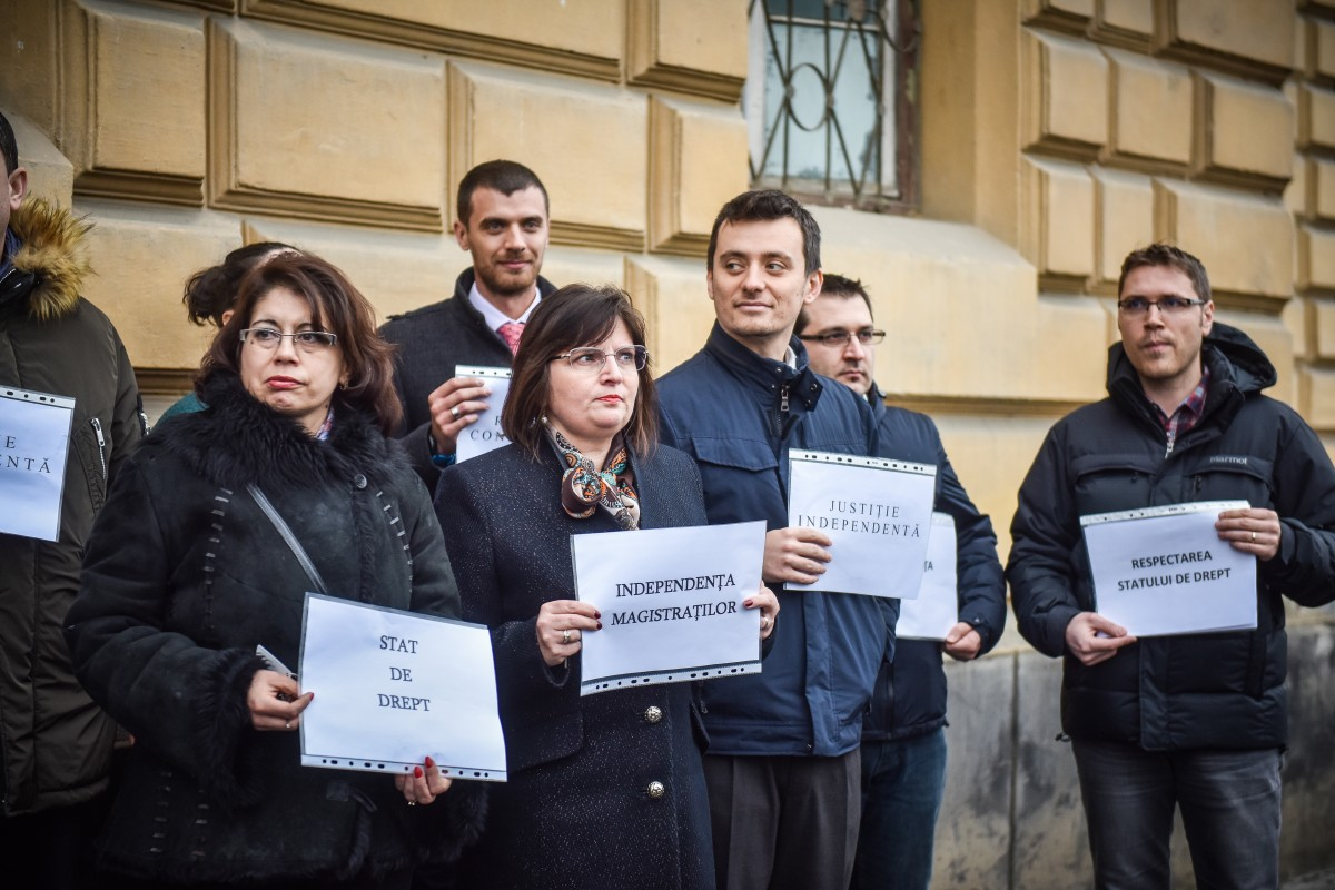 protest judecatori si procurori (8)