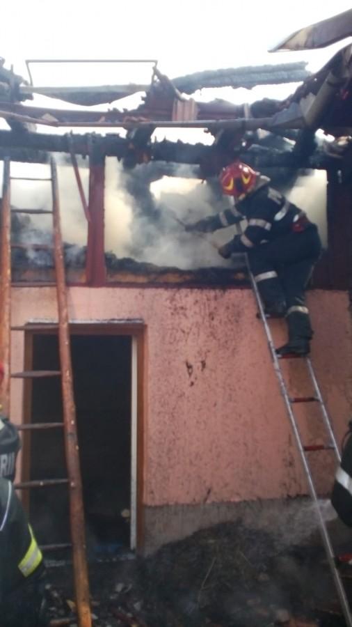 incendiu sura rasinari pompieri