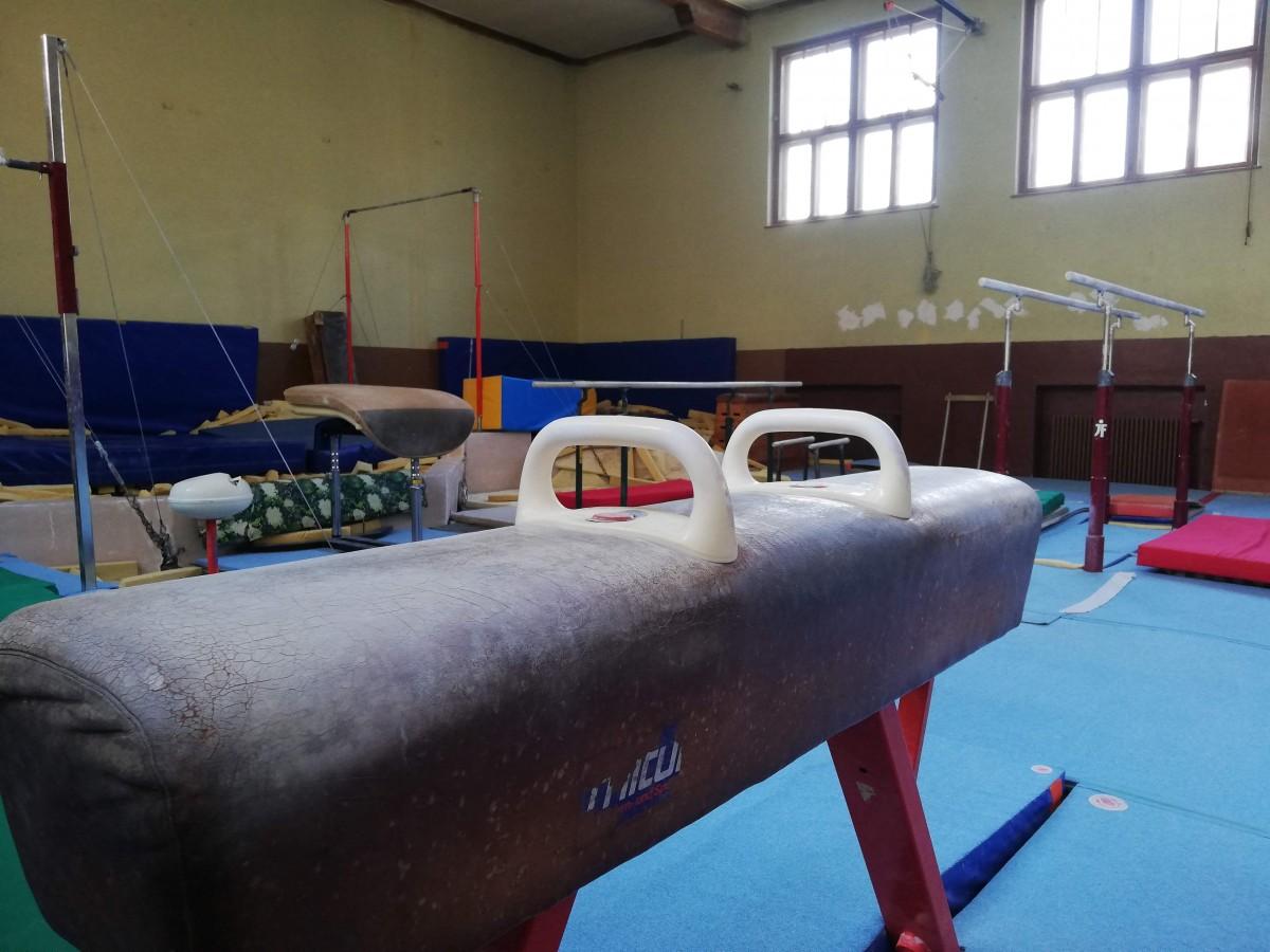 clubul sportiv scolar sala gimnastica baieti 5