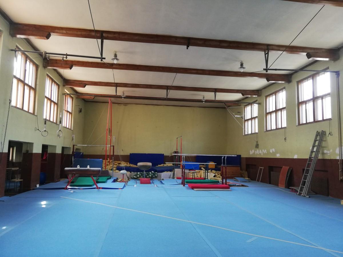 clubul sportiv scolar sala gimnastica baieti 8