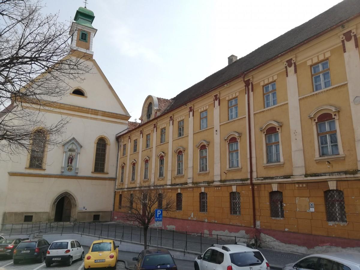 Liturghiile din Biserica Ursulinelor sunt reduse la o oră