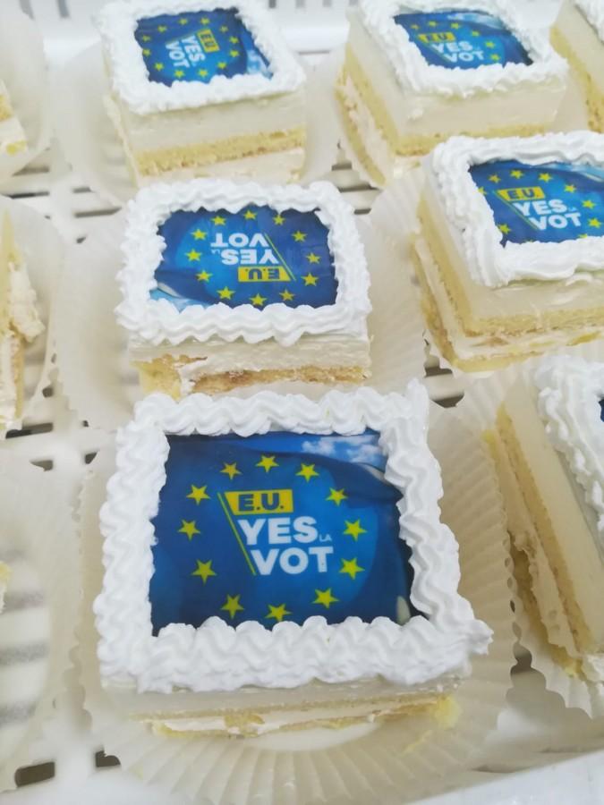 Mesajele prin care sibienii sunt îndemnați să participe la vot au apărut și pe prăjituri