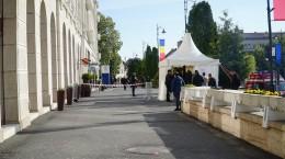 Filtru de securitate în fața hotelului Continental Forum