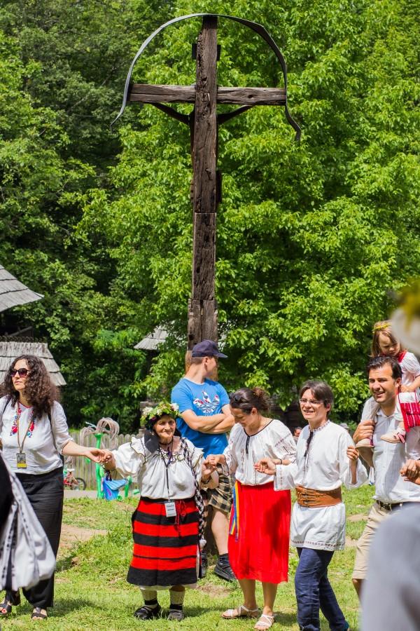 ziua iei muzeul satului costum popular traditii hora (1)