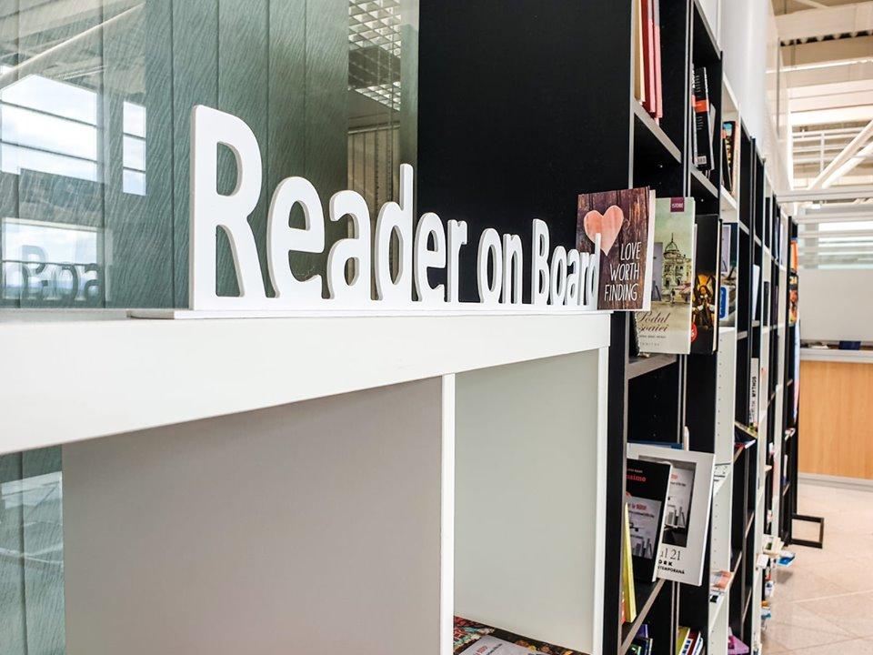 cititor-la-bord (3)