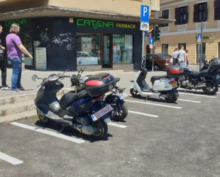 parcare motociclete scutere
