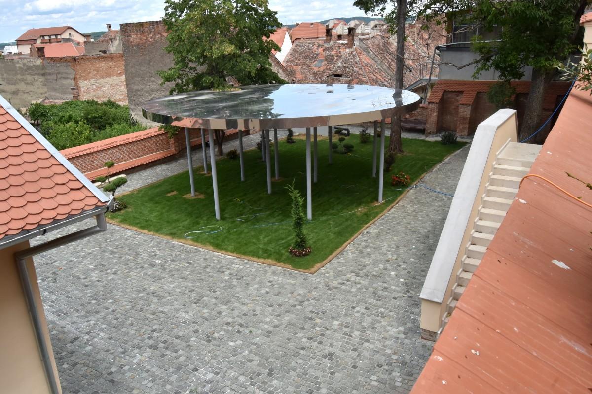 pavilion therme 1