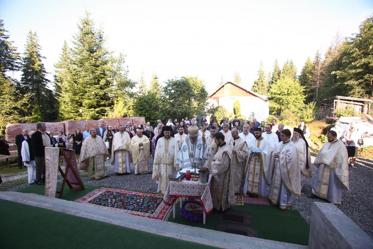 biserica paltinis sfintita