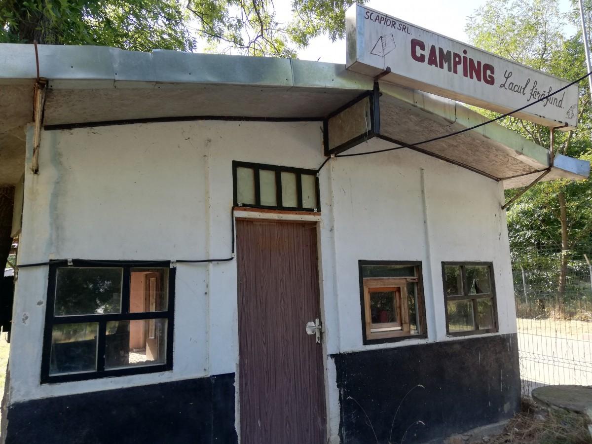 parcul garii camping