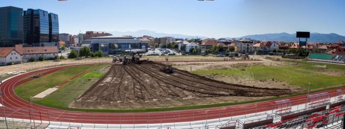 stadionul municipal inlocuire gazon utilaje santier iarba fotbal (22)