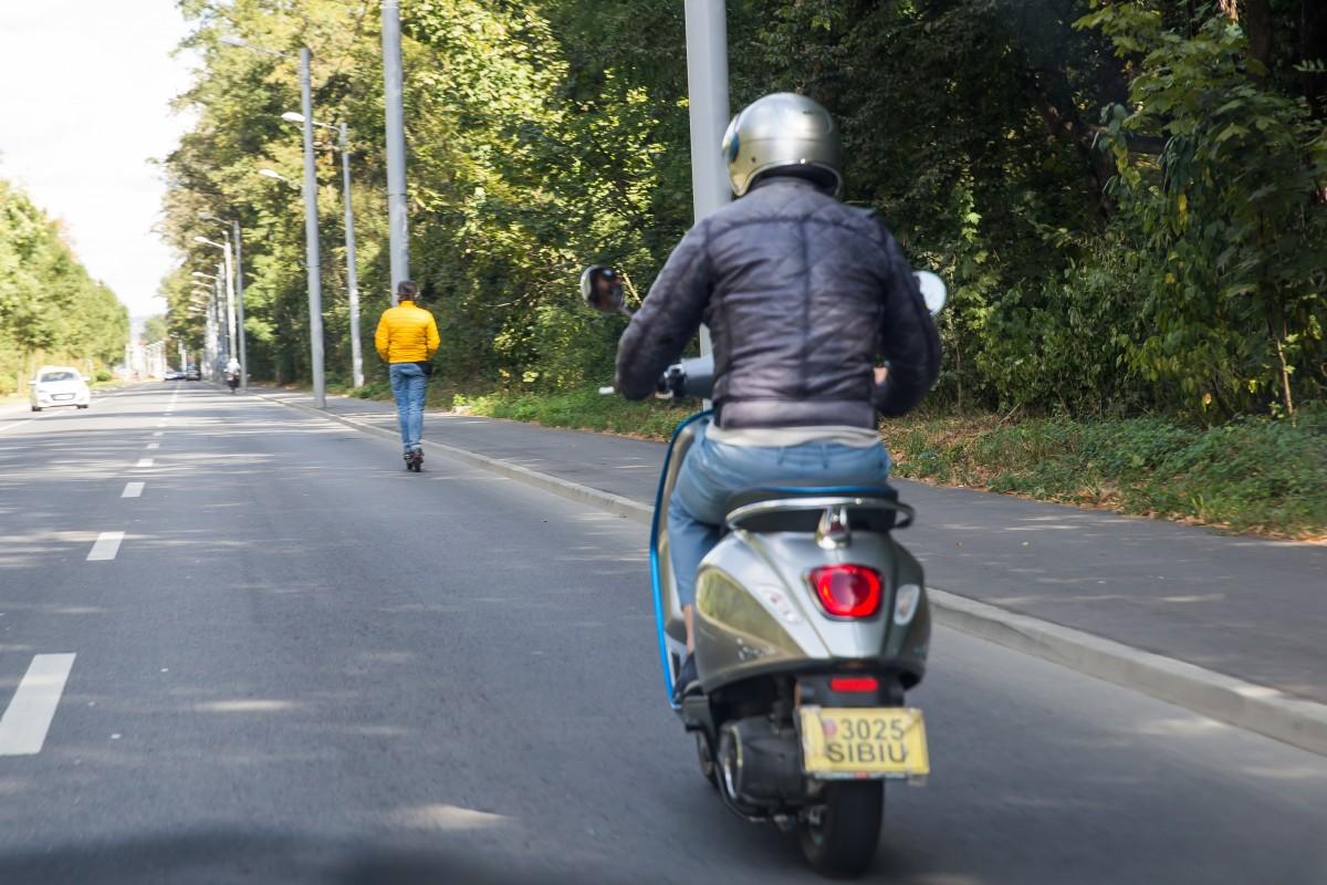 circulatie transport bicicleta autobuz trotineta masina (54)