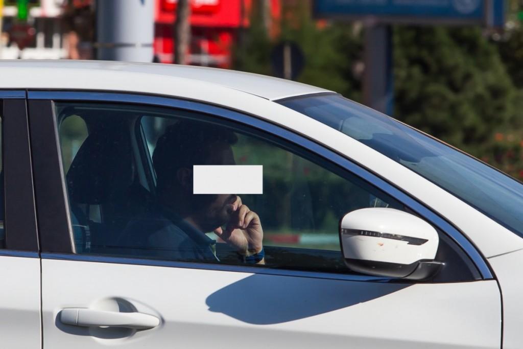 telefon la volan sofer sms trafic (1)