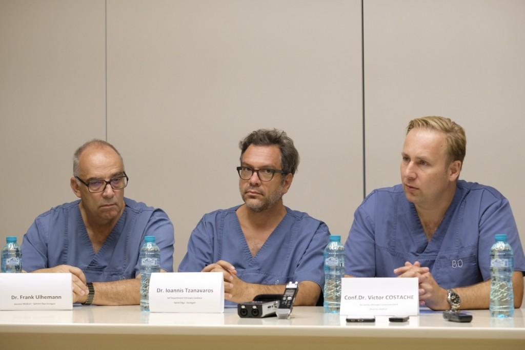 De la stânga la dreapta: dr. Frank Ulhemann, director medical la Spitalul Olga Stuttgart, dr. Ioannis Tzanavaros, șef departament Chirurgie Cardiacă la Spital Olga Stuttgart și dr. Victor Costache, șef secție Chirurgie Cardiovasculară
