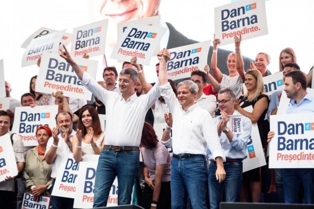 Dan Barna și Dacian Cioloș (2)