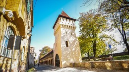 Sibiu parcul cetatii turn renovat toamna (9)
