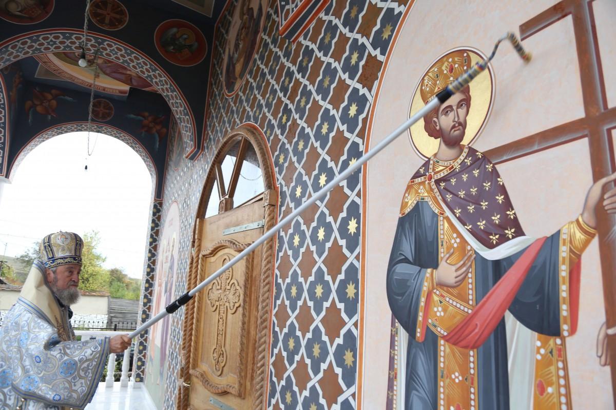 biserica bradu sfintire