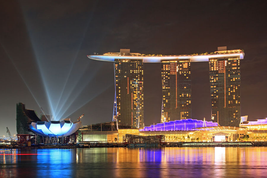 Marina Bay Sands este un alt proiect la care cei de la Arup Group au participat