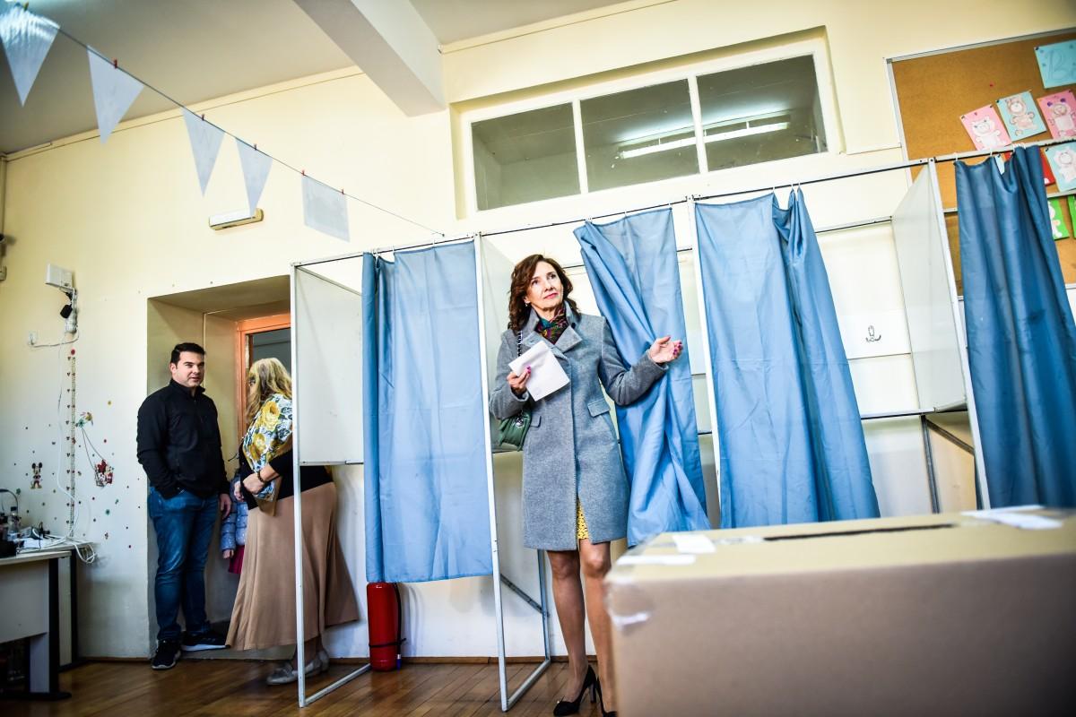 Carmen Iohannis vot alegeri prezidentiale turul 2 (16)