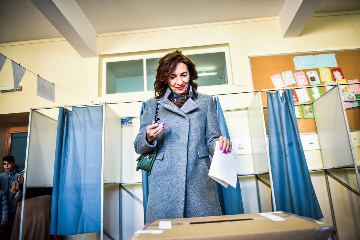Carmen Iohannis vot alegeri prezidentiale turul 2 (19)