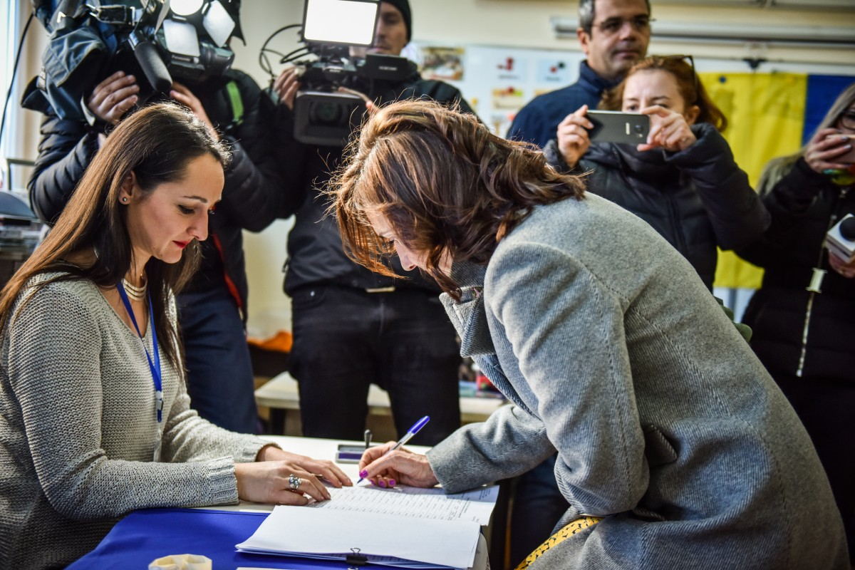 Carmen Iohannis vot alegeri prezidentiale turul 2 (9)