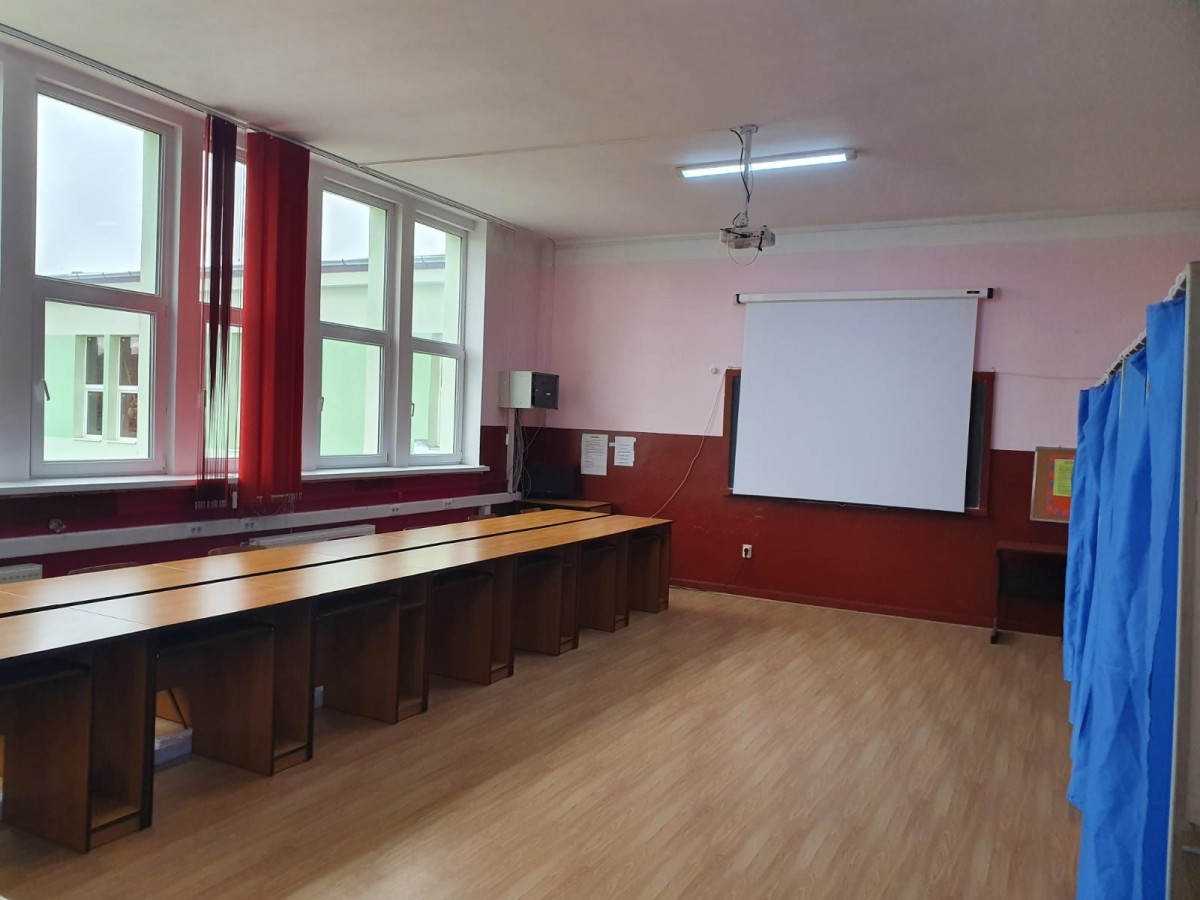 Cabinetul de Informatică unde a fost mutată secția de votare nr. 31