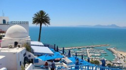 tunisia-blue-rooftops-sea-696x464