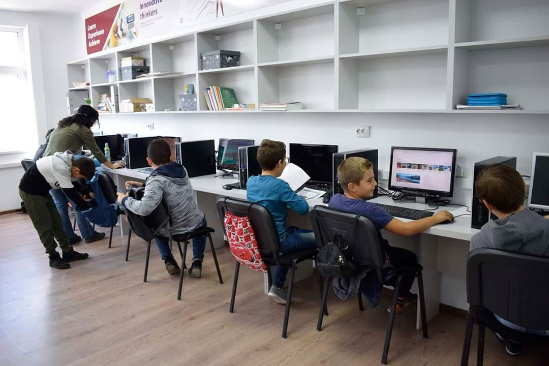 De laborator se bucură copiii din Sibiu și împrejurimi
