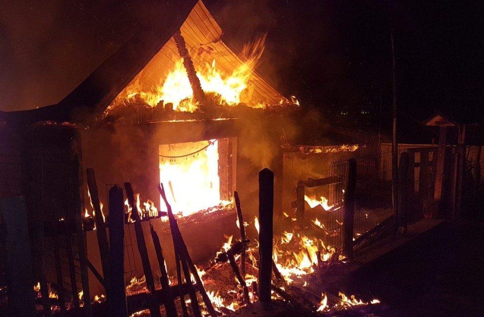 incendiu foc