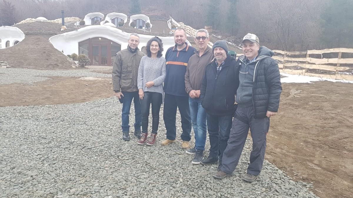 """Pensiunea a fost vizitată zilele trecute de prezentatorul TV, Cristian Tabără. Sursa foto: Facebook """"Dealul Verde - Pensiune"""""""