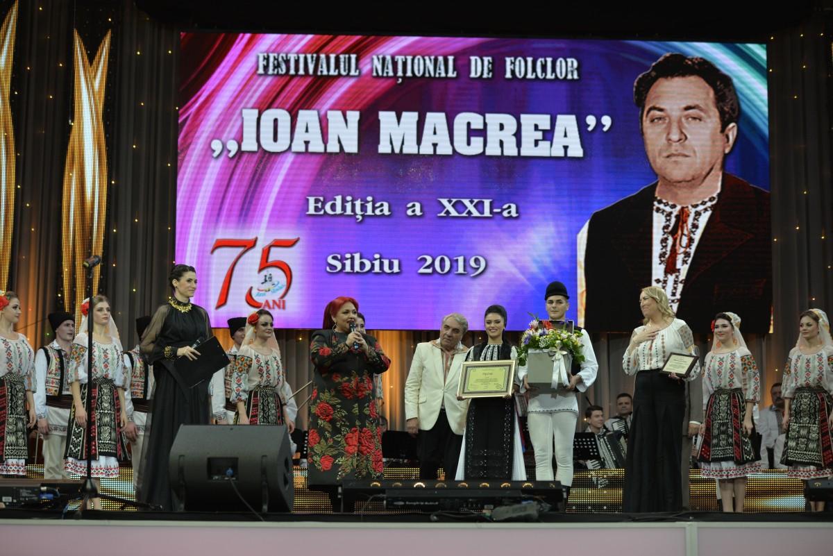 ion macrea (5)