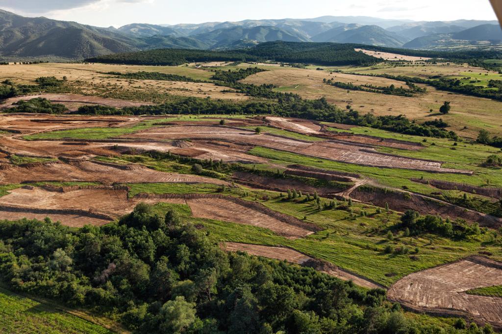 Lucrările de amenajare a terenului de golf au început în 2015