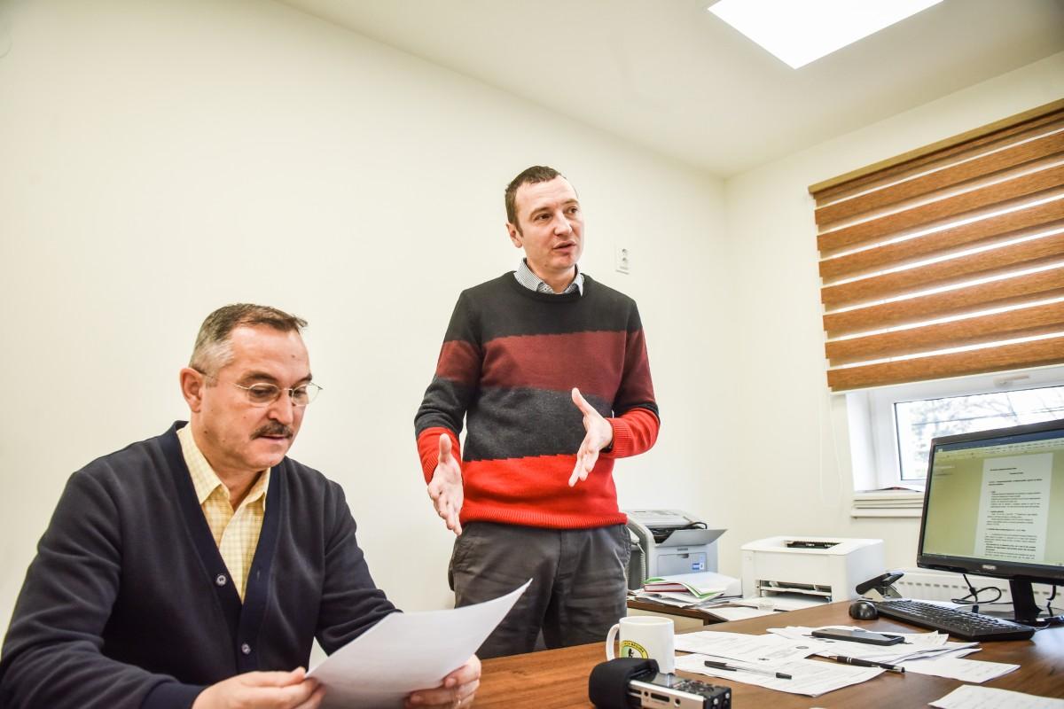 Costin Popescu, manager interimar si marcel stancu director economic ambulanta (5)