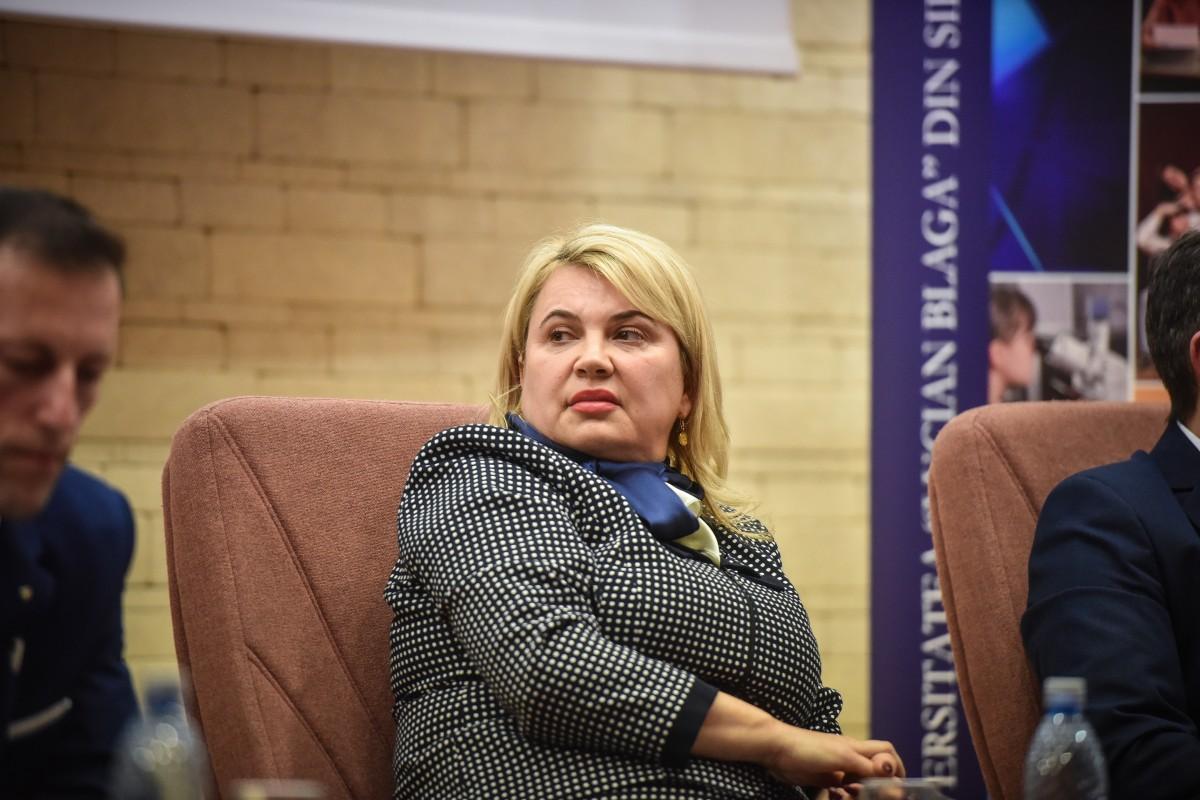 Dana Preda dezbatere alegeri ULBS (49)
