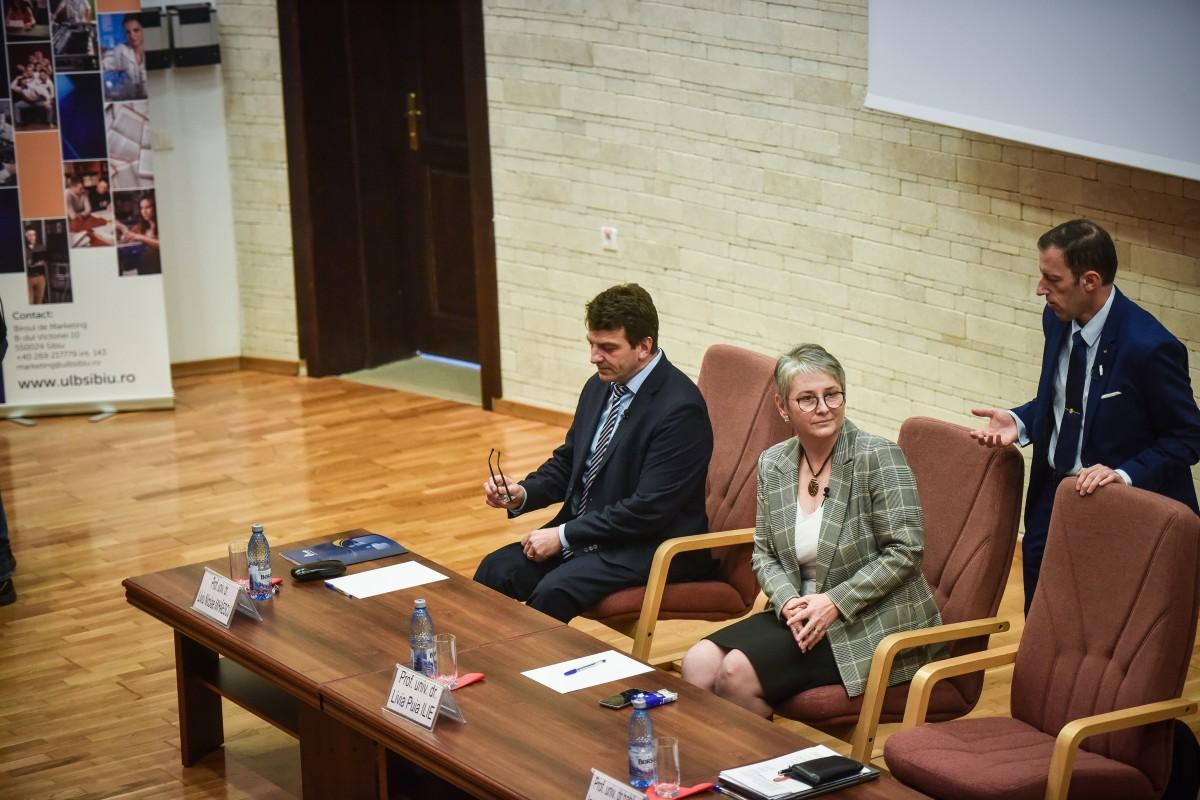 Livia Ilie, Mihaescu si Tiplic dezbatere alegeri ULBS (13)