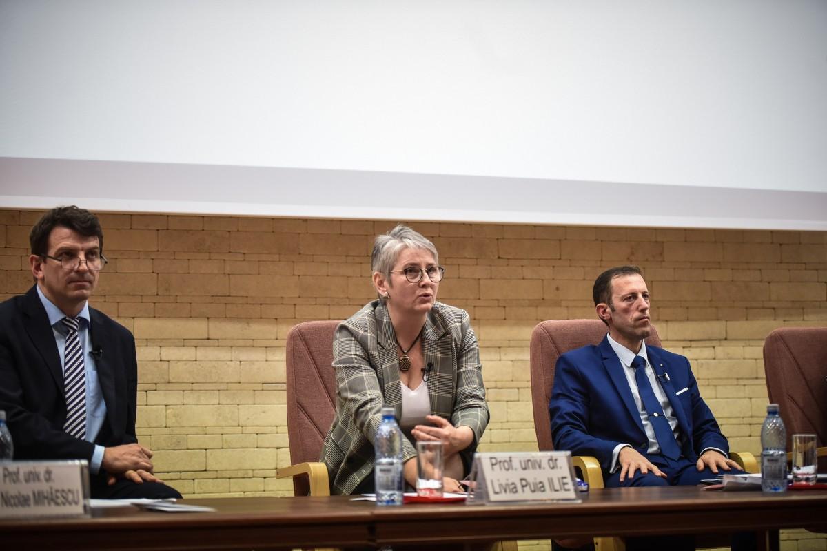 Livia Ilie, Mihaescu si Tiplic dezbatere alegeri ULBS (66)