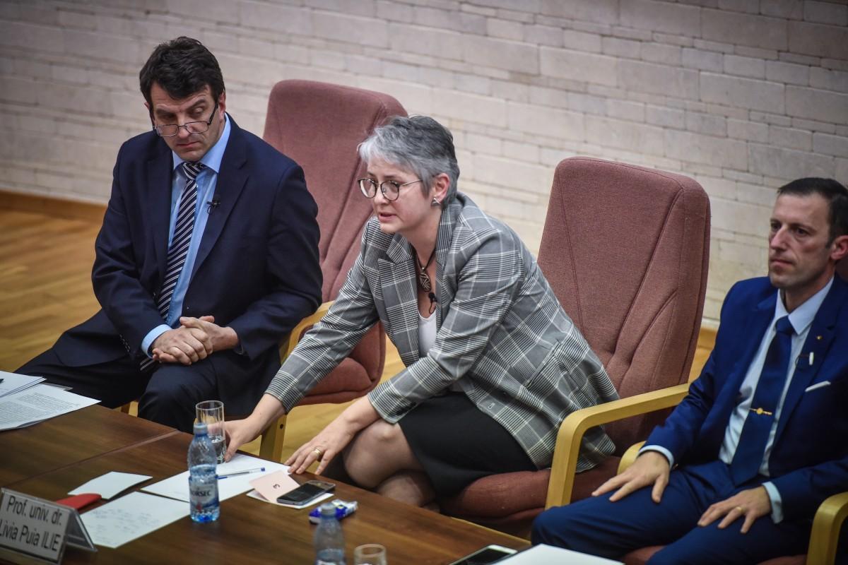 Livia Ilie, Mihaescu si Tiplic dezbatere alegeri ULBS (67)