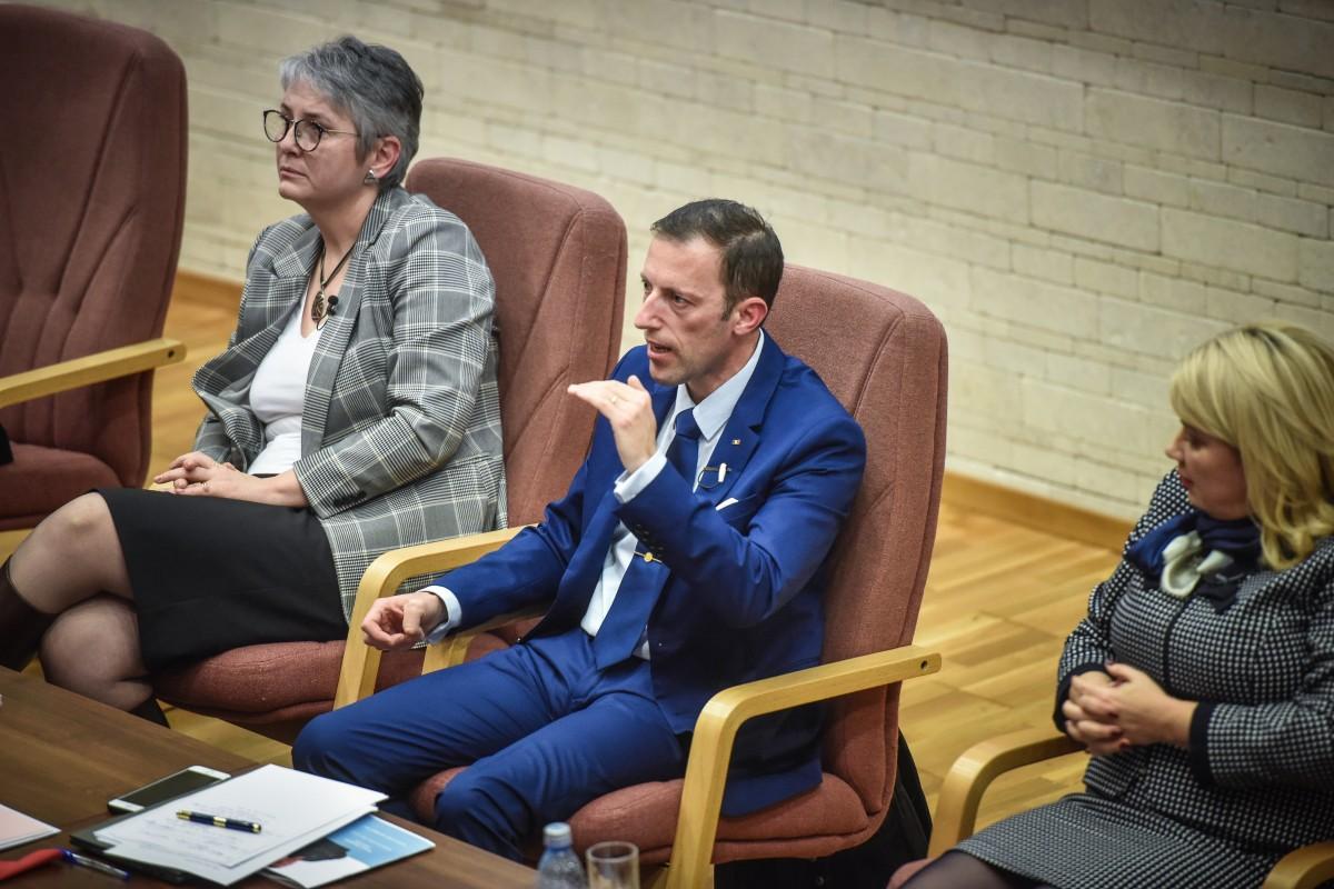 Livia Ilie, Tiplic, dana Preda dezbatere alegeri ULBS (68)