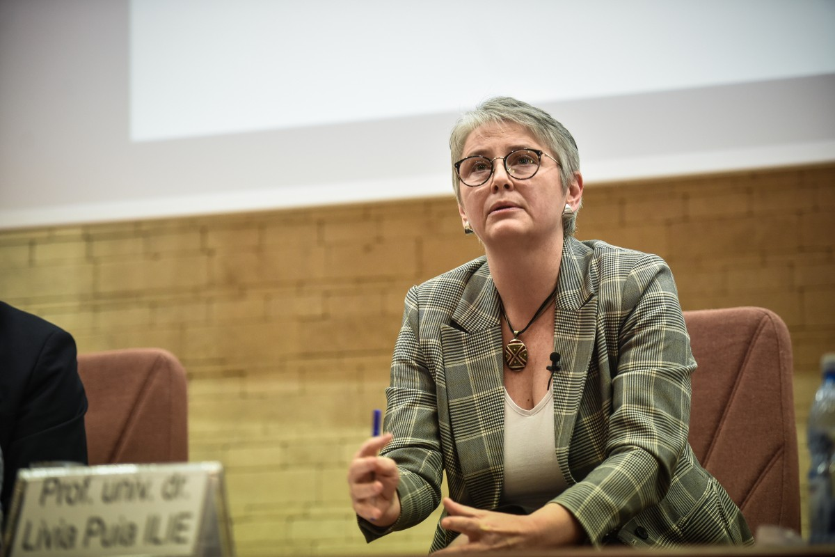 Livia Ilie dezbatere alegeri ULBS (36)