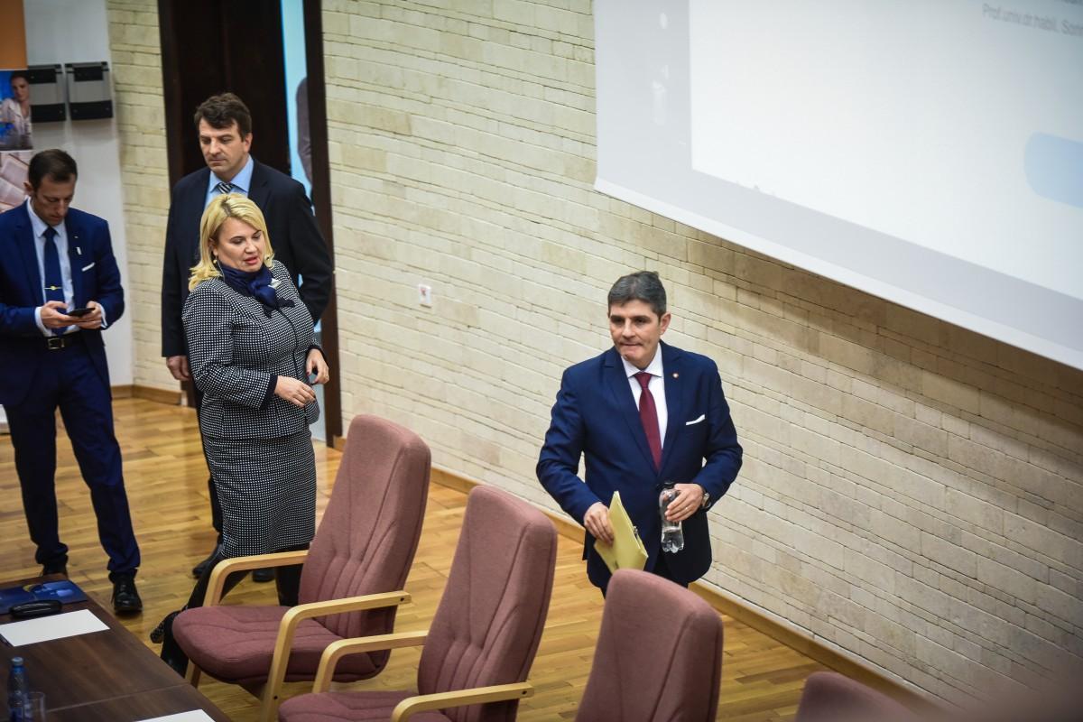 Sorin Radu, Dana Preda, Mihaescu, Tiplic dezbatere alegeri ULBS (6)