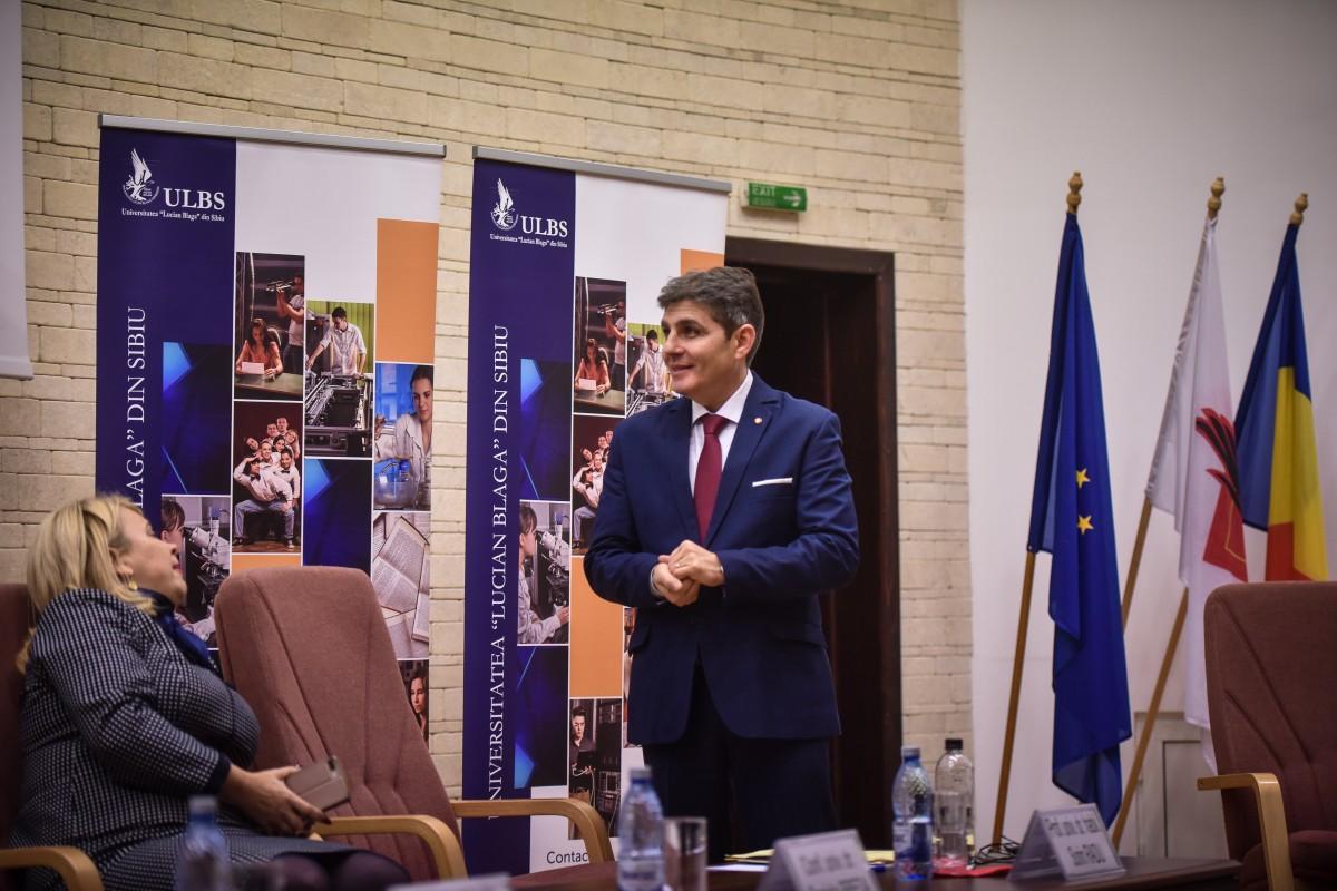 Sorin Radu si Dana Preda dezbatere alegeri ULBS (12)
