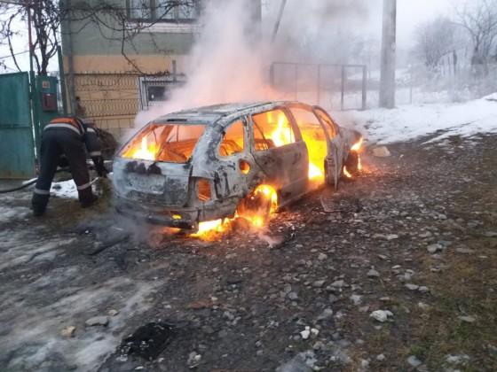 incendiu masina ISU (1)