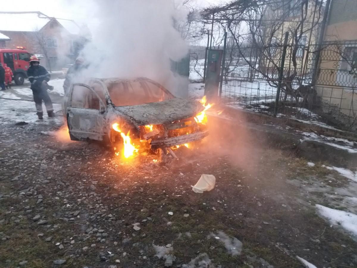 incendiu masina ISU (2)
