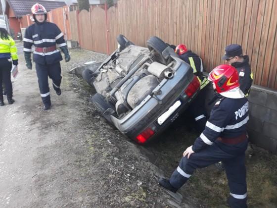 accident masina rasturnata medias